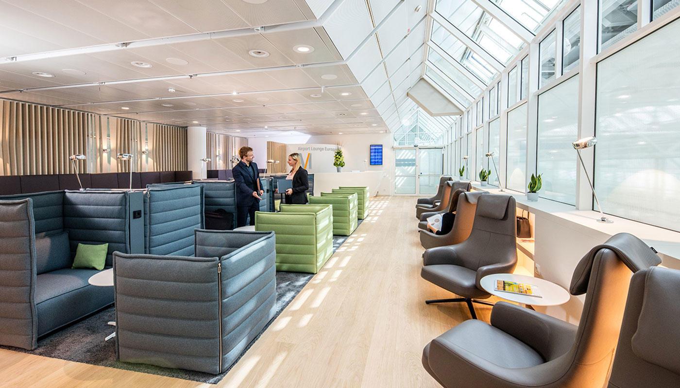 airport lounge europe flughafen m nchen. Black Bedroom Furniture Sets. Home Design Ideas