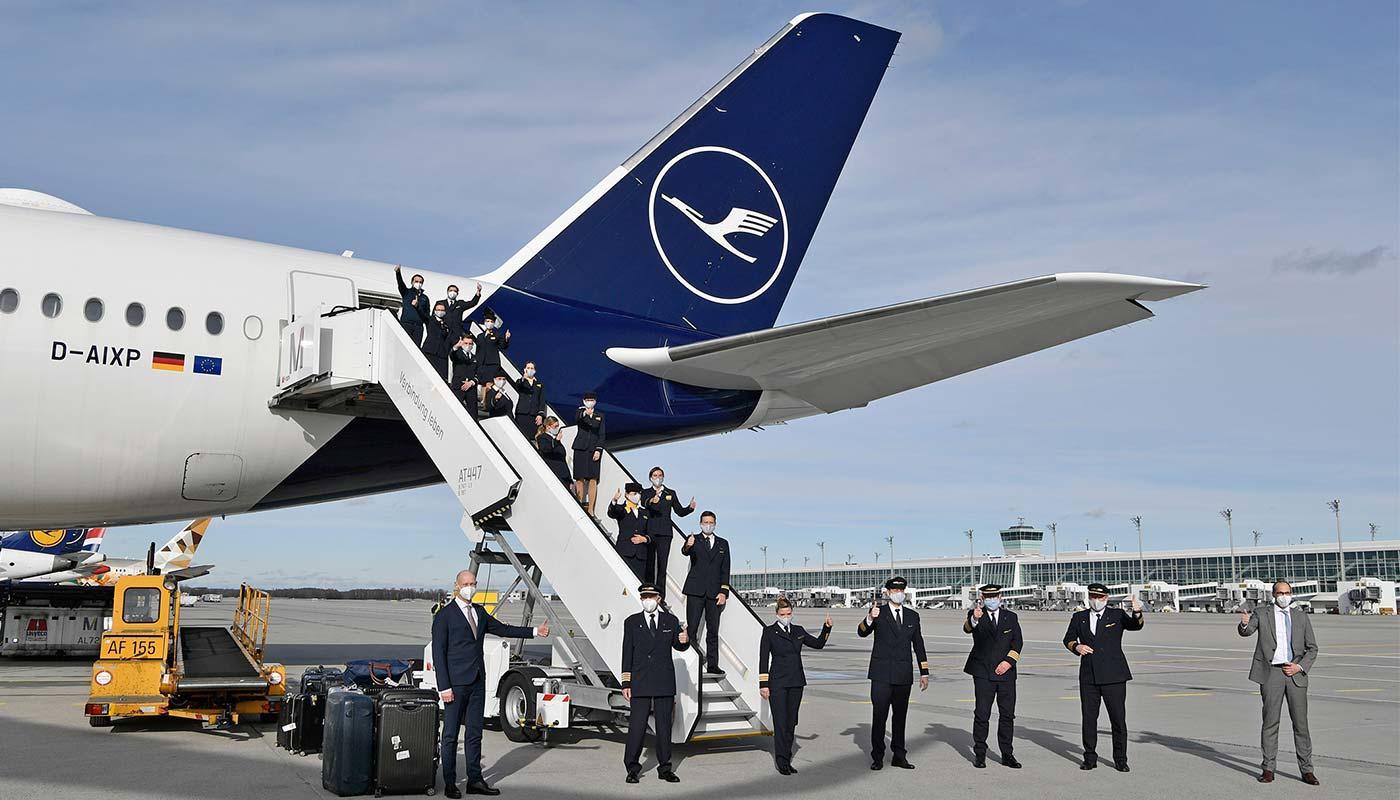 Presse: Crew des Lufthansa Rekordflugs in München gelandet ...